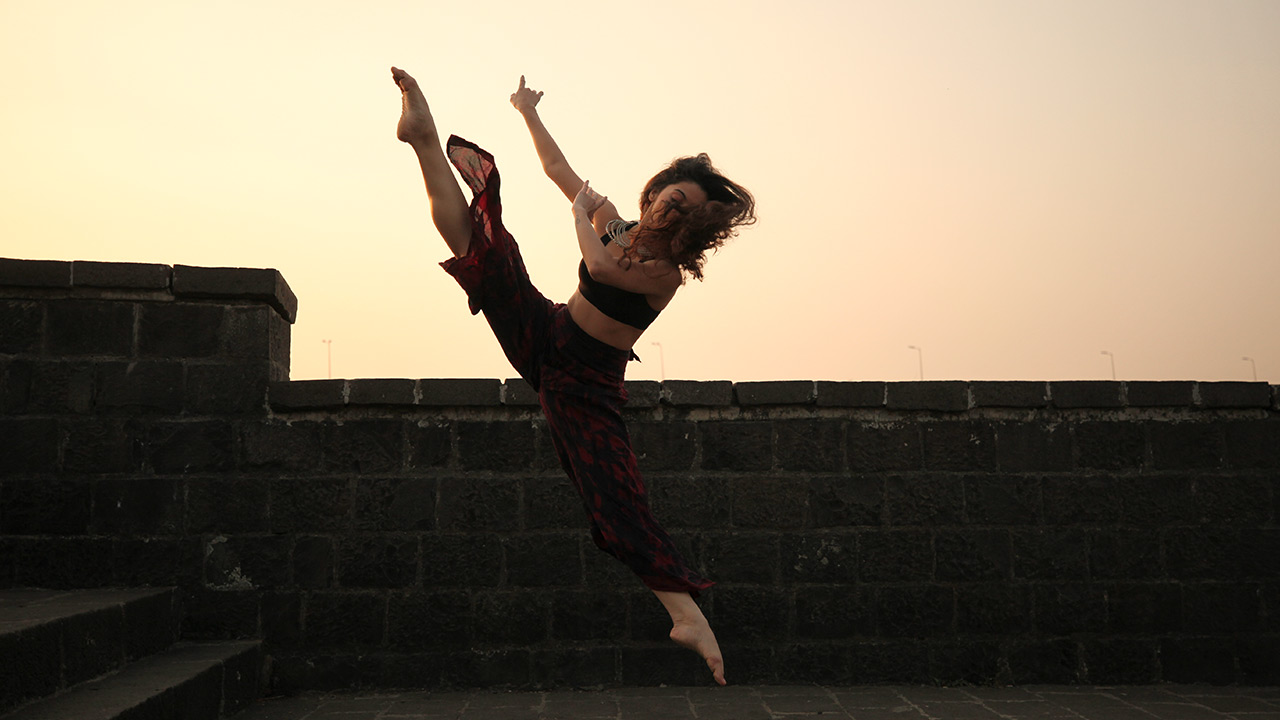 Contemporary Dance Classes In Mumbai and Dilhi | The Dance Worx